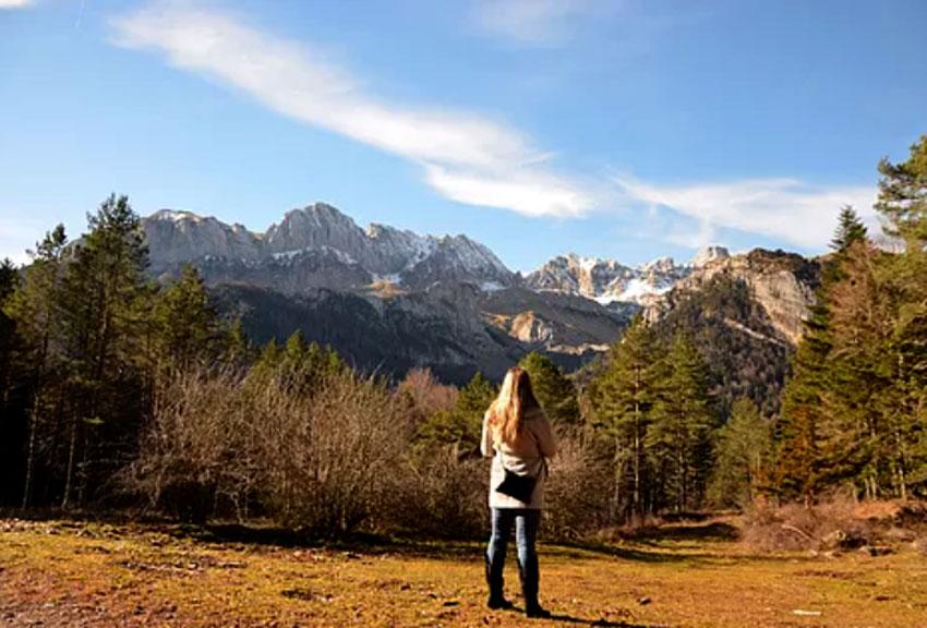 hotel ideal para parejas escapada rural romantica relax gourmet turismo de naturaleza y deporte y nieve en el pirineo huesca